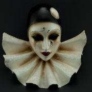 Pierrot con bavero