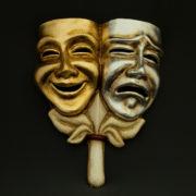 tragedia commedia oro argento con bastone