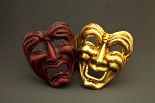 tragedia commedia rossa e oro