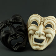 tragedia commedia nera e bianca