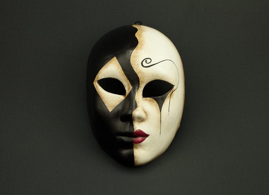 Volto rombo maschere artigianali veneziane gli amici - Tappeto bianco e nero ...