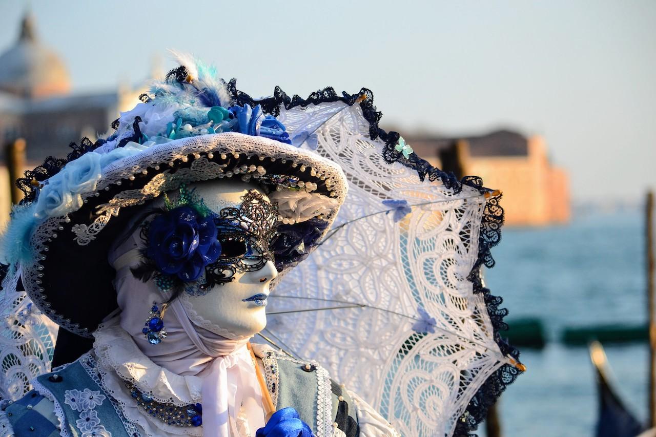 maschera con ombrello